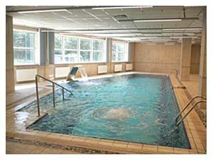 Лечебная физкультура и фитнес программы в бассейне - Клиника лечебного голодания ONIS